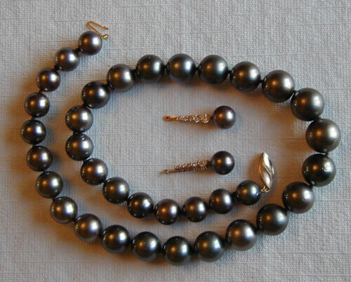 black pearl necklace and earrings set